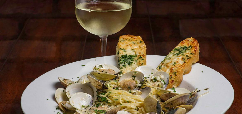 nics-clam-chowder-wine