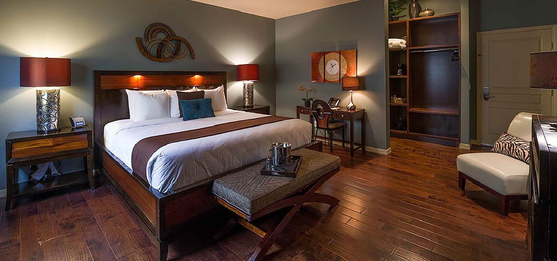 tavern_hotel_king_suite