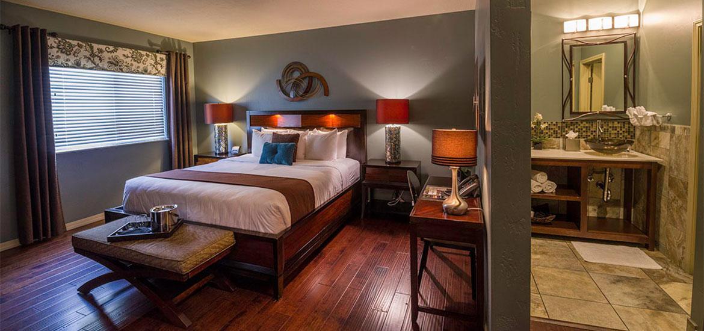 tavern_hotel_king_suite2